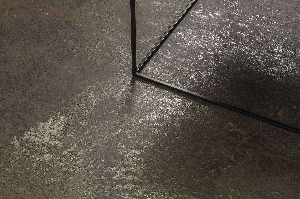 Brown zinc ultra metal rev tements de mur et de sol effet - Mur effet metal ...